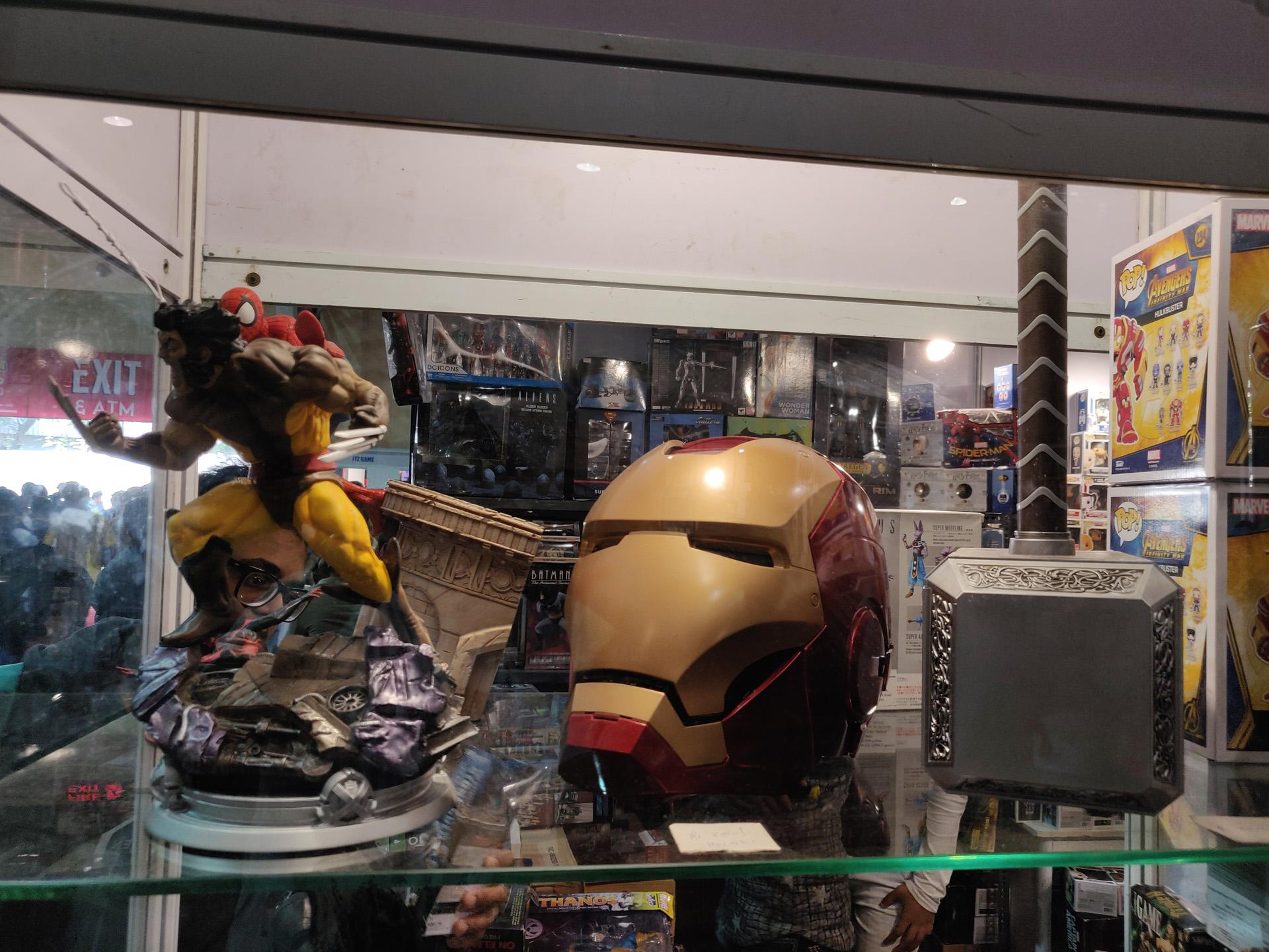 Comic Con Mumbai 2018 03 - Iron Man Helmet, Thor Mjolnir Replica