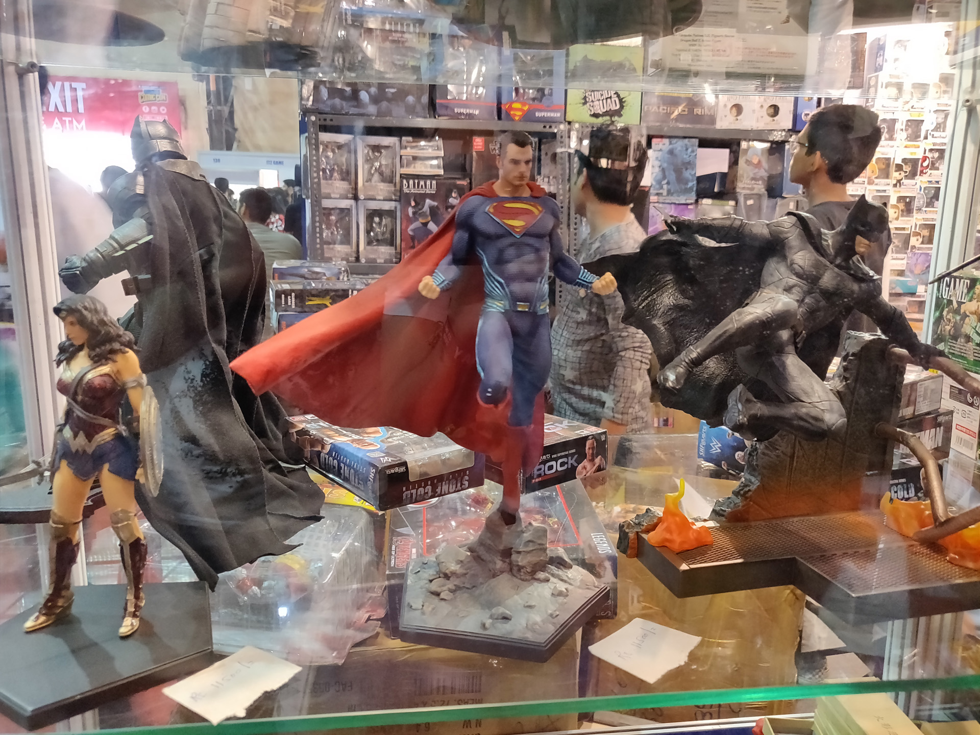 Comic Con Mumbai 2018 04 - DC Trinity Wonder Woman Superman Batman