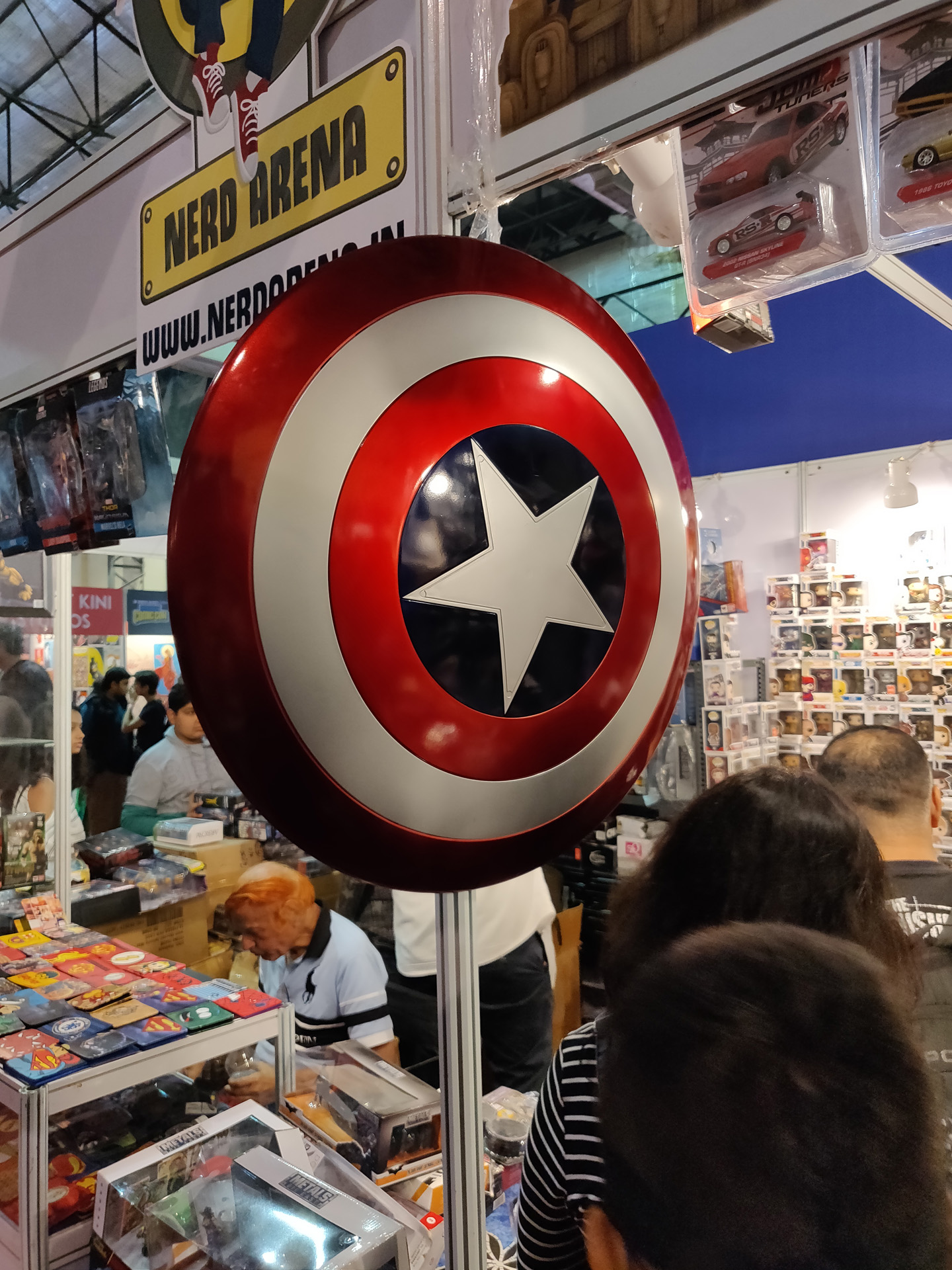 Comic Con Mumbai 2018 05 - Captain America Shield Replica