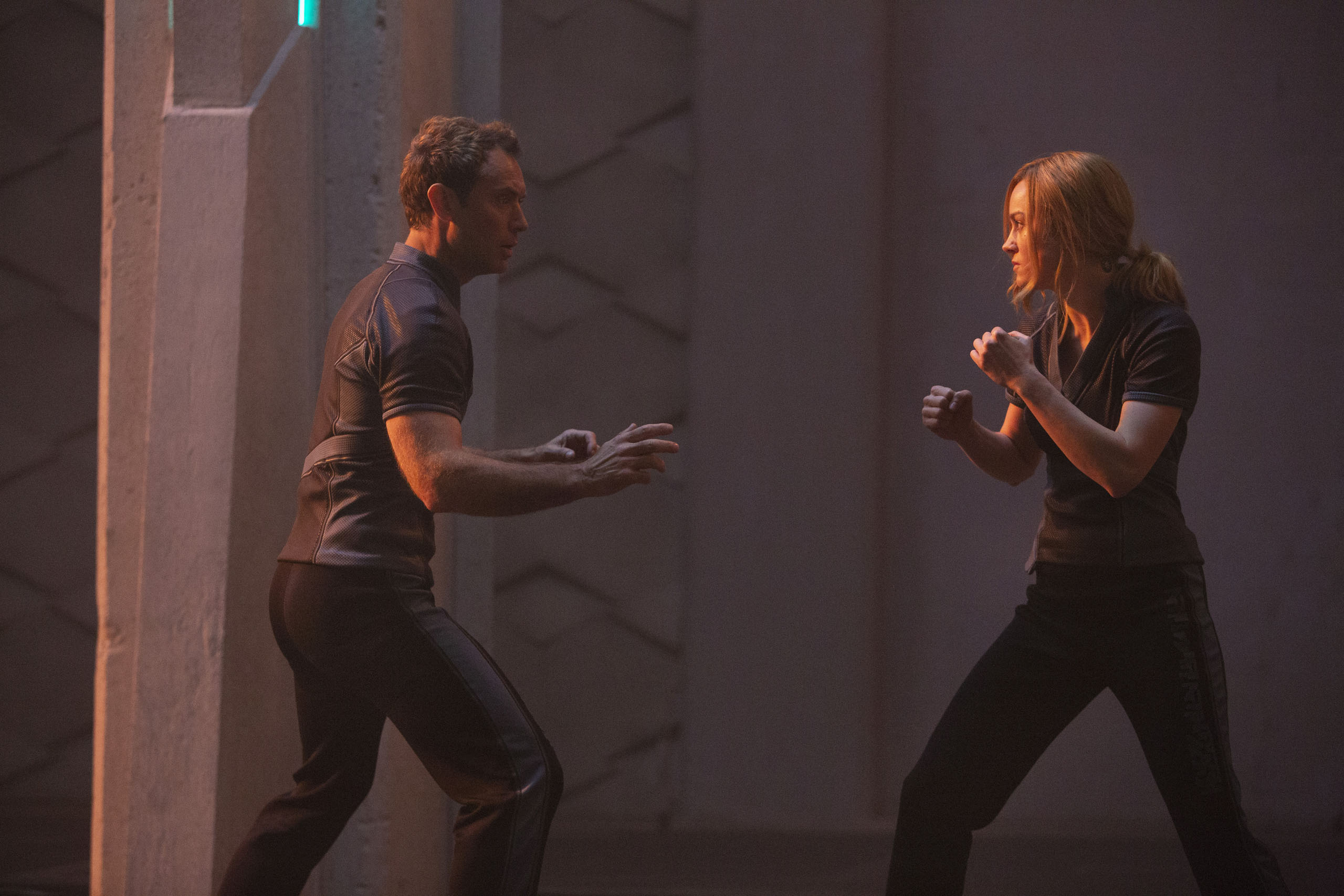 Captain Marvel Hi-Res Still 8 - Jude Law, Carol Danvers