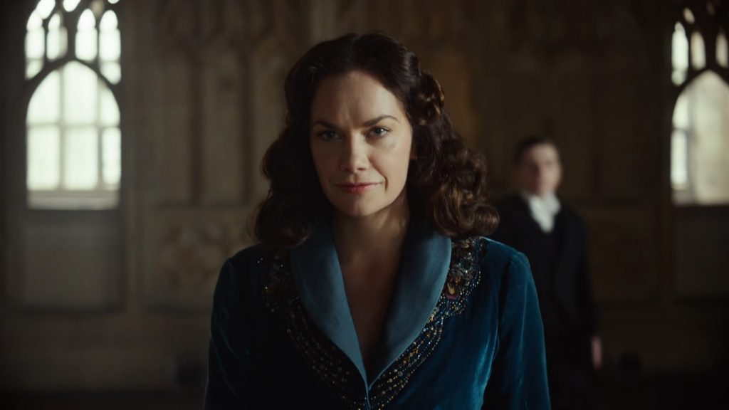His Dark Materials S01E01 - Ruth Wilson Mrs Coulter (HQ)