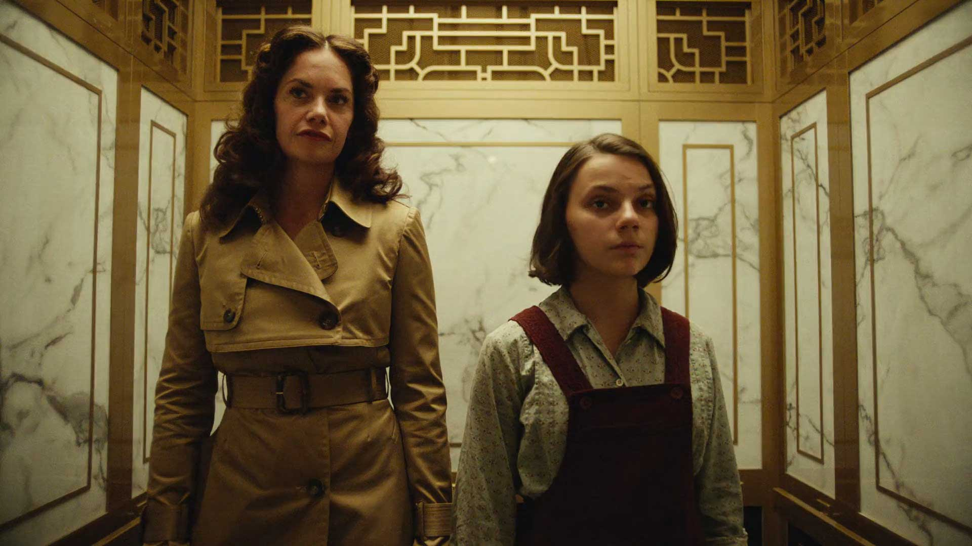 His Dark Materials S01E02 - Dafne Keen Lyra Belacqua Ruth Wilson Mrs Coulter