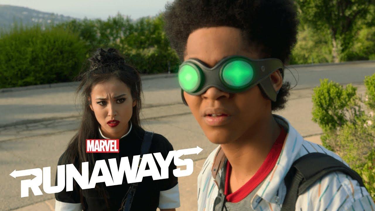 Runaways S03E01 Alex Nico