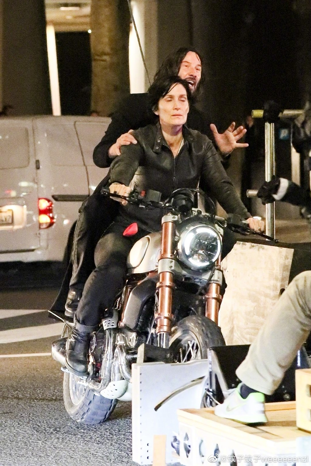 Matrix 4 Set Photo 04 Keanu Reeves Carrie Anne Moss