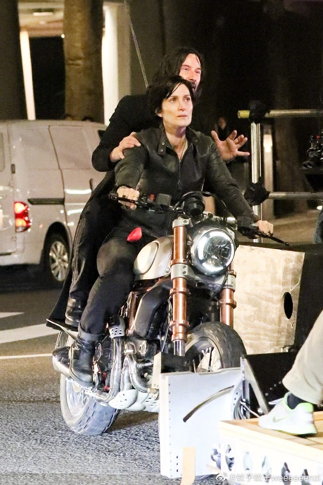 Matrix 4 Set Photo 05 Keanu Reeves Carrie Anne Moss