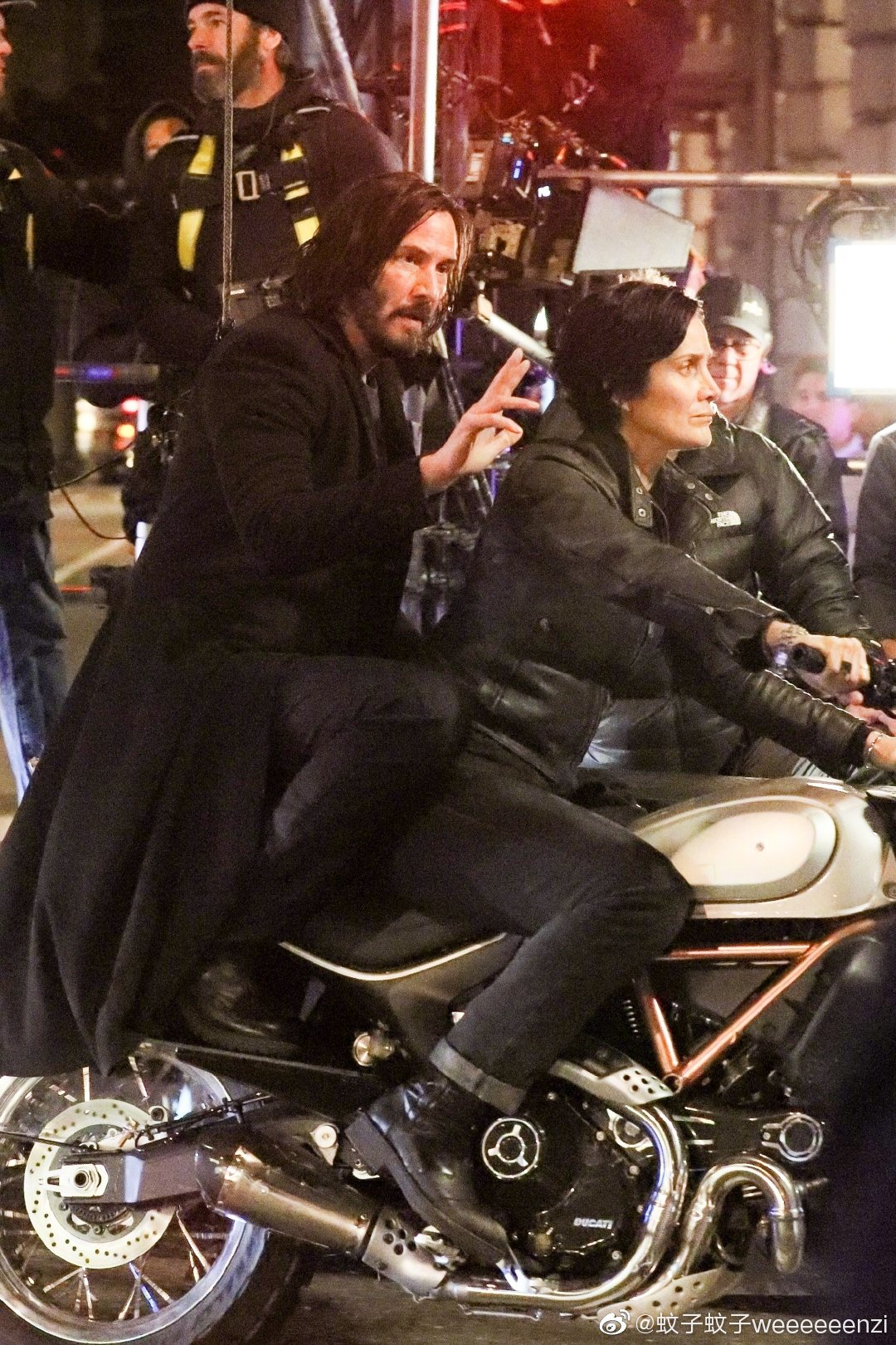 Matrix 4 Set Photo 10 Keanu Reeves Carrie Anne Moss