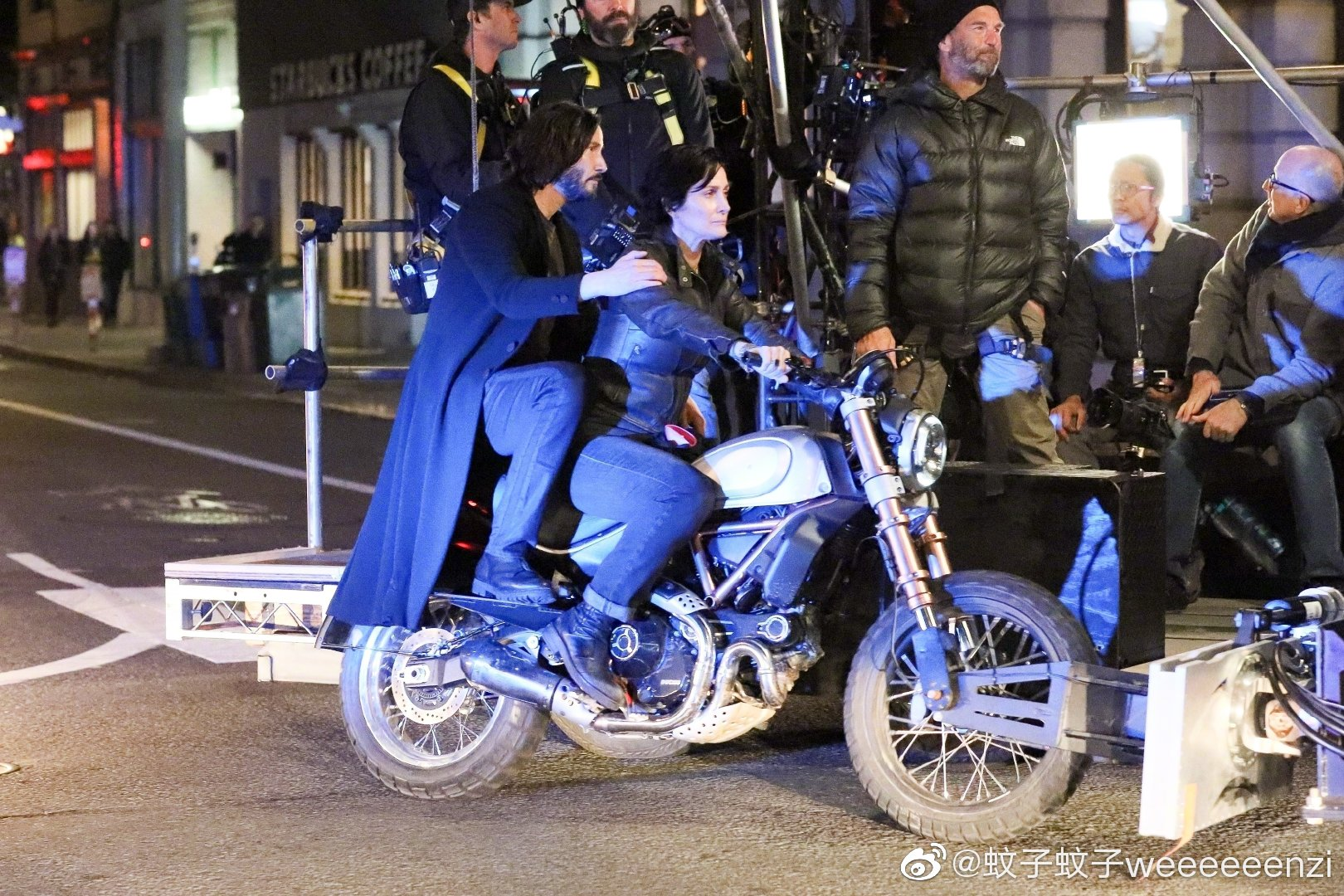 Matrix 4 Set Photo 13 Keanu Reeves Carrie Anne Moss
