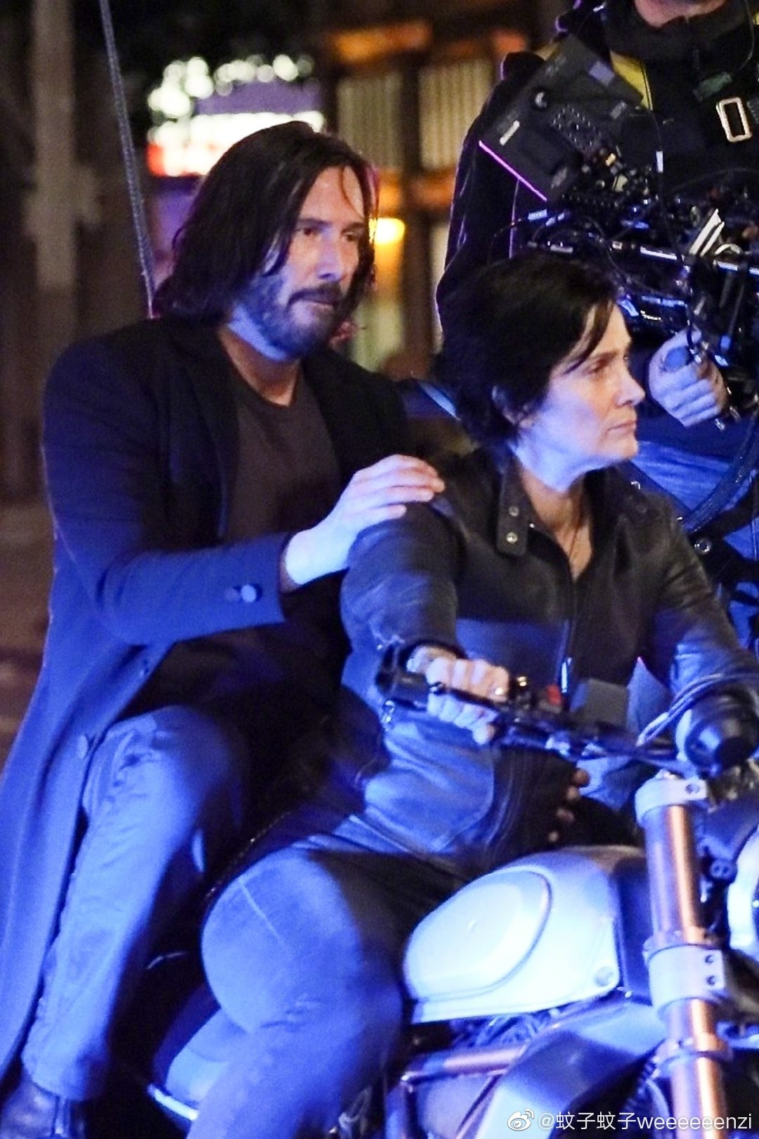 Matrix 4 Set Photo 15 Keanu Reeves Carrie Anne Moss