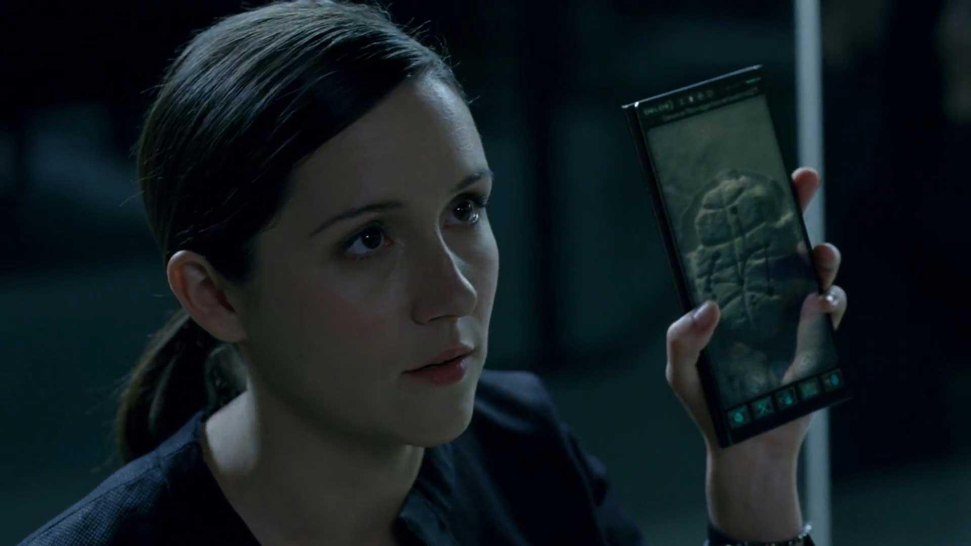 Westworld S01E04 Elsie Hughes Shannon Woodward