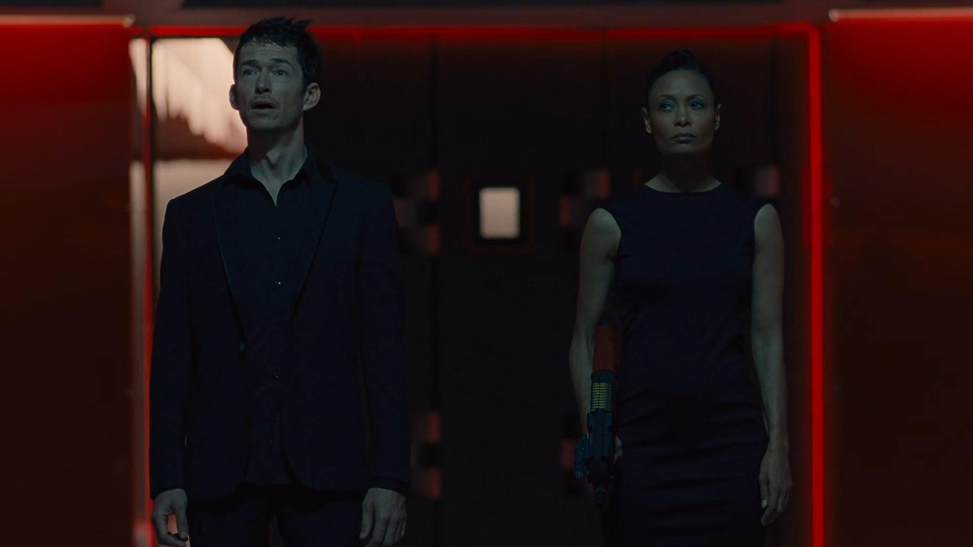 Westworld S02E01 Lee Sizemore Simon Quarterman Maeve Thandie Newton