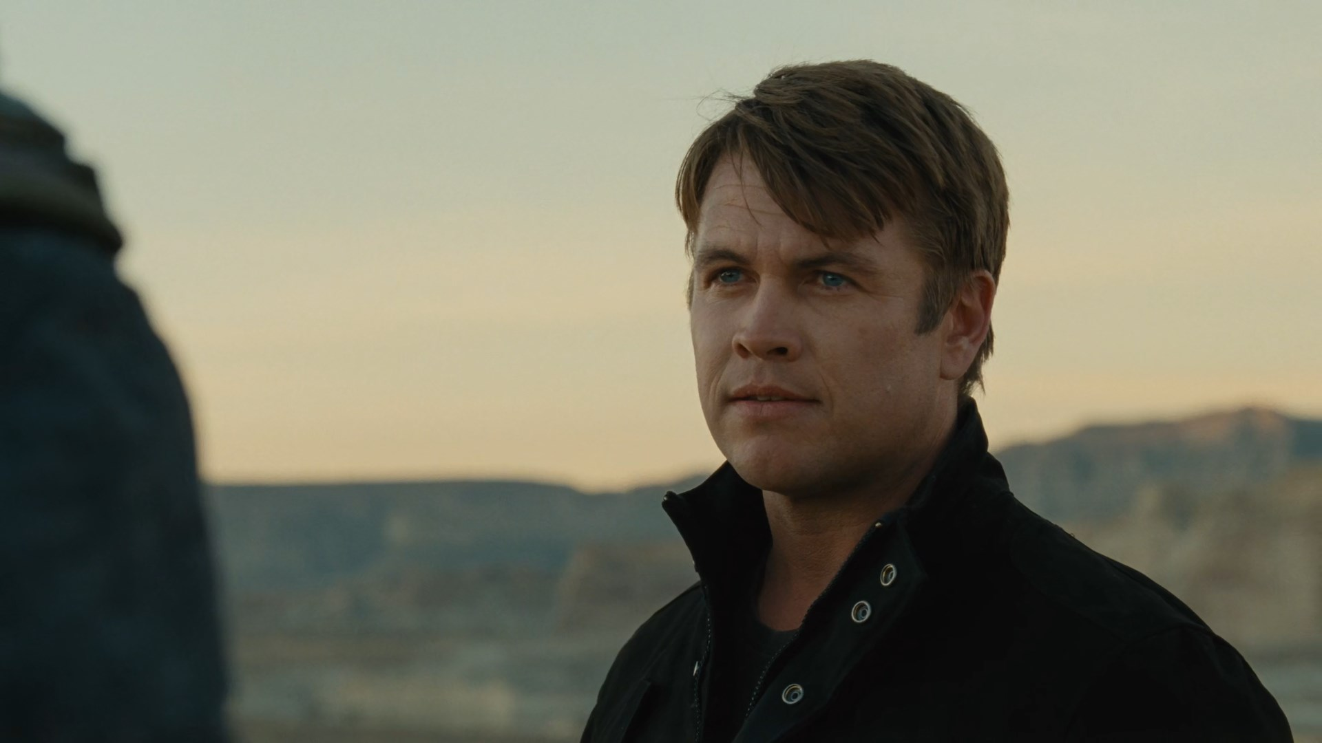 Westworld S02E06 Luke Hemsworth Ashley Stubbs