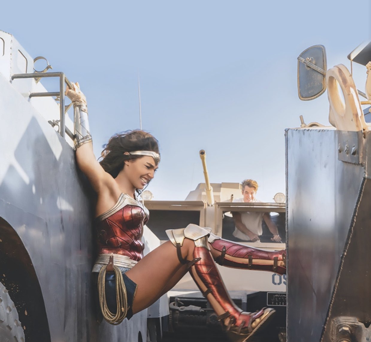 Wonder Woman 1984 New Batch Of Stills Show Off Cheetah ...