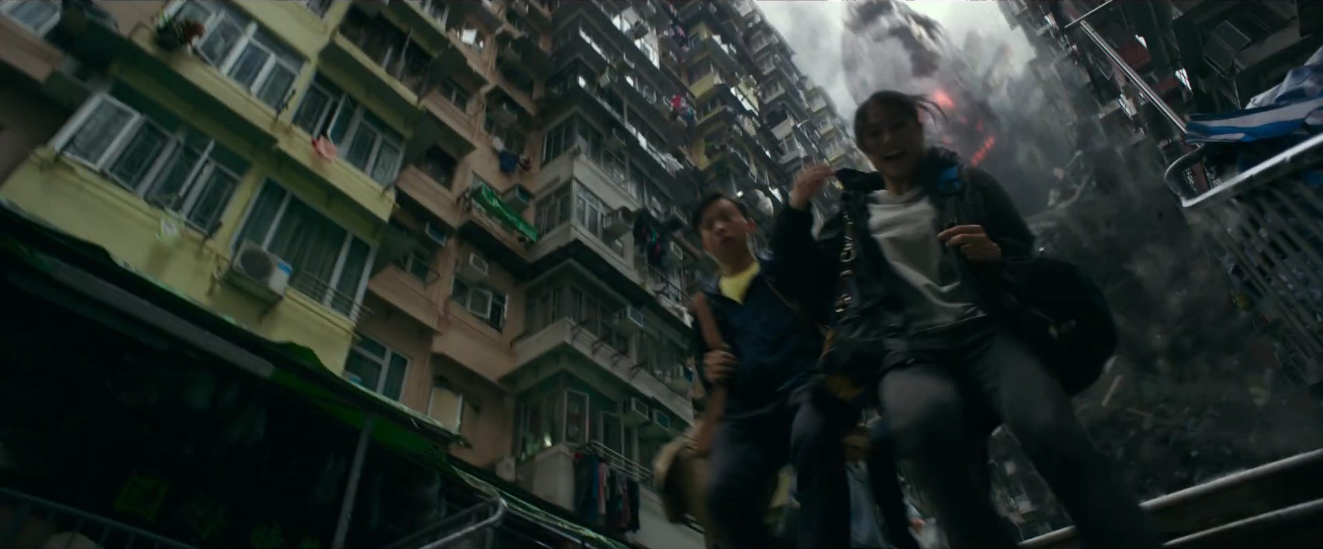 Godzilla vs Kong Trailer Still 02 - Mechagodzilla spotted?