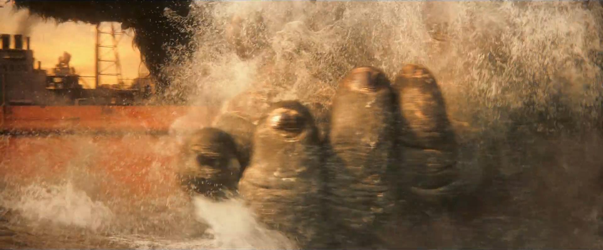 Godzilla vs Kong Trailer Still 06 - Kong's hand