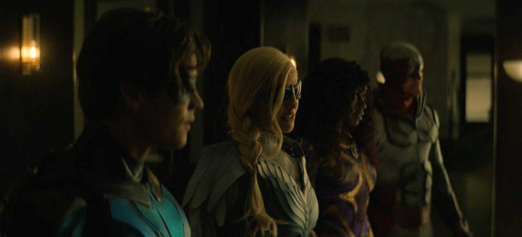 Titans S03E02 Suit Up